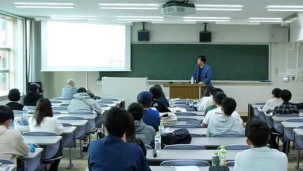 近畿大学様にて弊社代表小椋が講義を行いました。