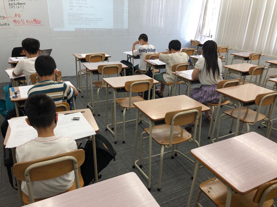 【桜井市の集団塾ならKEC】~夏期講習のお知らせ&本日の教室風景~